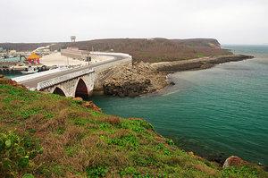 原本是個獨立小島的小門嶼,經由小門橋將小門與西嶼銜接起來